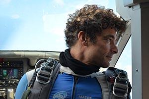 Partenaire SKY-LIVE, saut en parachute, saut en tandem, stage pac : Thomas