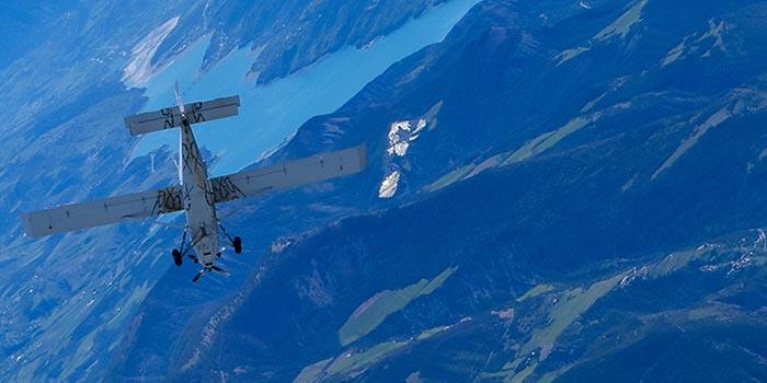 Saut en parachute Tallard Gap SKY-LIVE avion 1