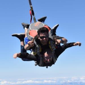 Réserver un saut en parachute tandem à Tallard Gap, hautes alpes SKY-LIVE